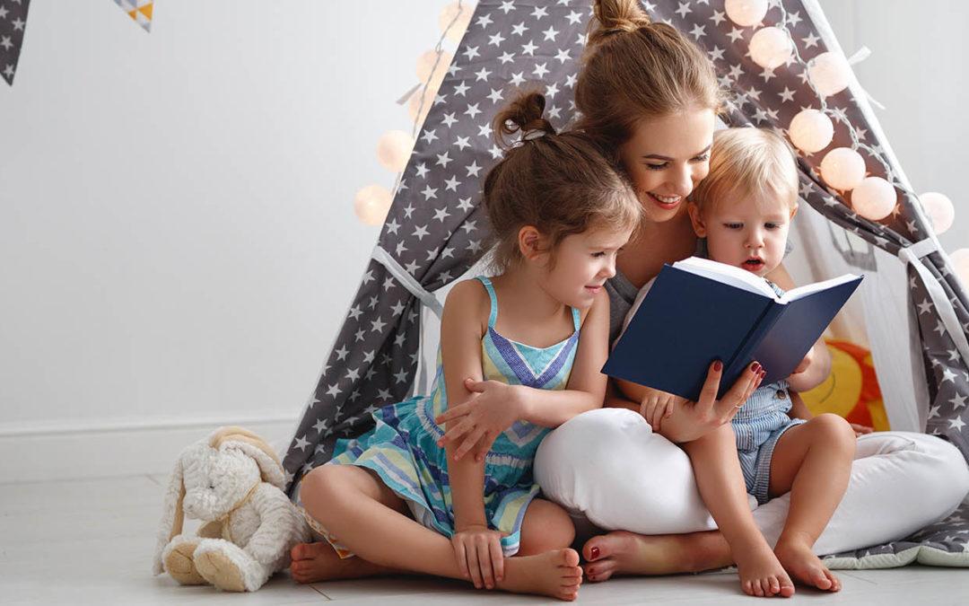 Lire aux enfants au sein de la famille